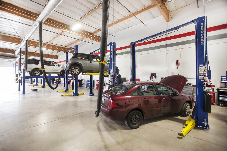 Few Basic Details We Must Know Regarding Auto Repair